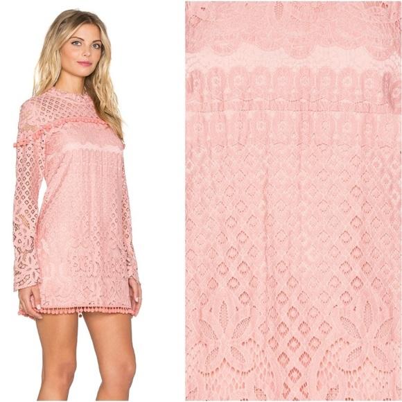 864f74de209c ... Pom Dress pink. M 5b0caa5ea6e3eaef309a7774